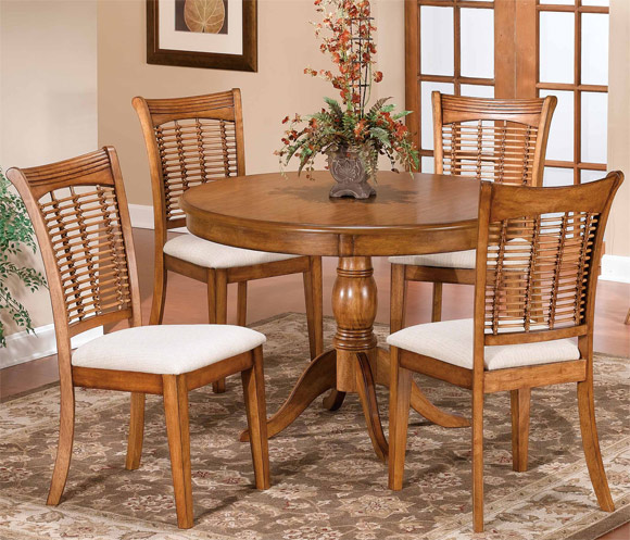 Hillsdale 5-Piece Dining Set, Round Pedestal Table with Four Bayberry Chairs